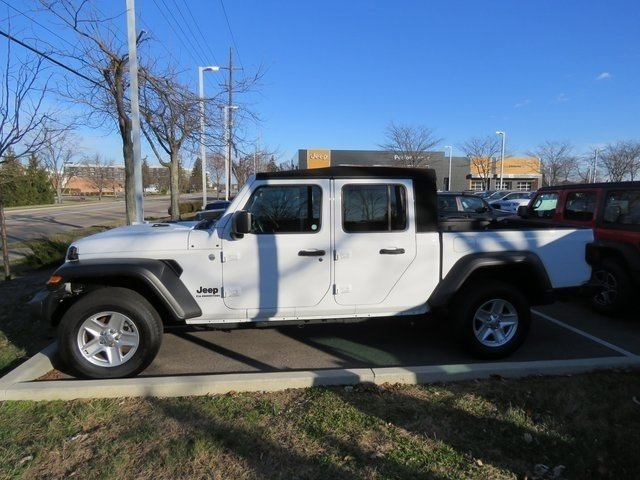 Pre-Owned 2020 Jeep Gladiator Sport